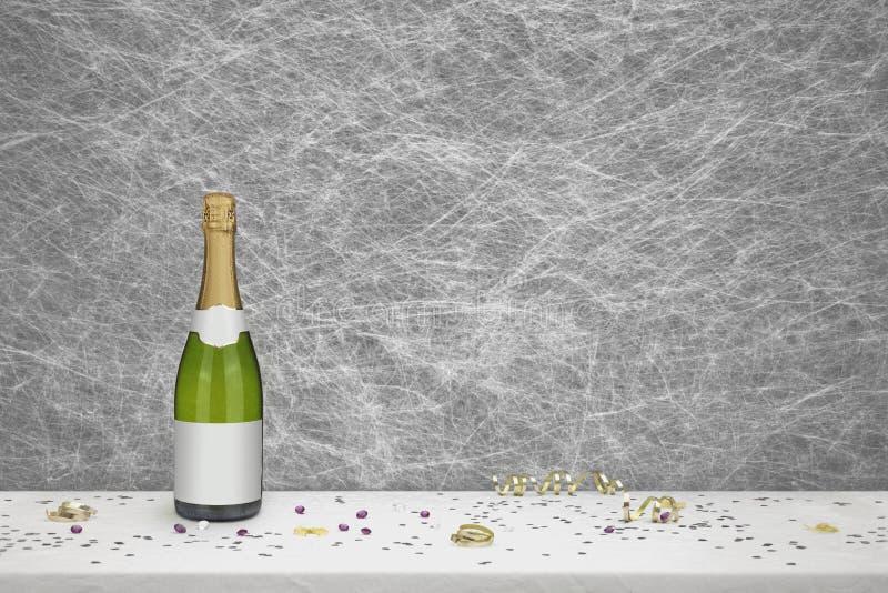 Bouteille de Champagne sur une nappe blanche image libre de droits