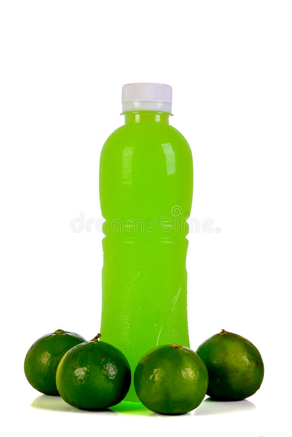 Bouteille de jus d'orange D'isolement sur le fond blanc photos stock