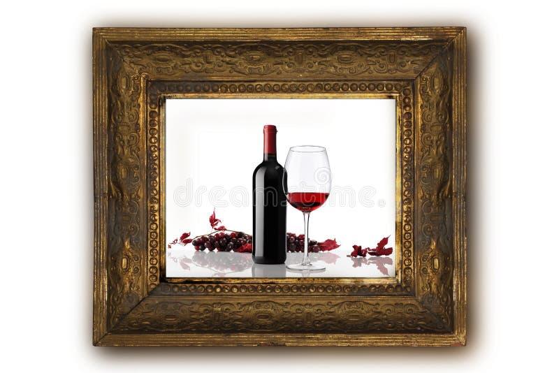 bouteille de vin avec le cadre en bois de raisins rouges en verre et de groupe image stock. Black Bedroom Furniture Sets. Home Design Ideas