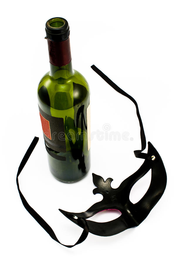 bouteille de vin avec le masque de carnaval image stock image du imagination c l bration. Black Bedroom Furniture Sets. Home Design Ideas