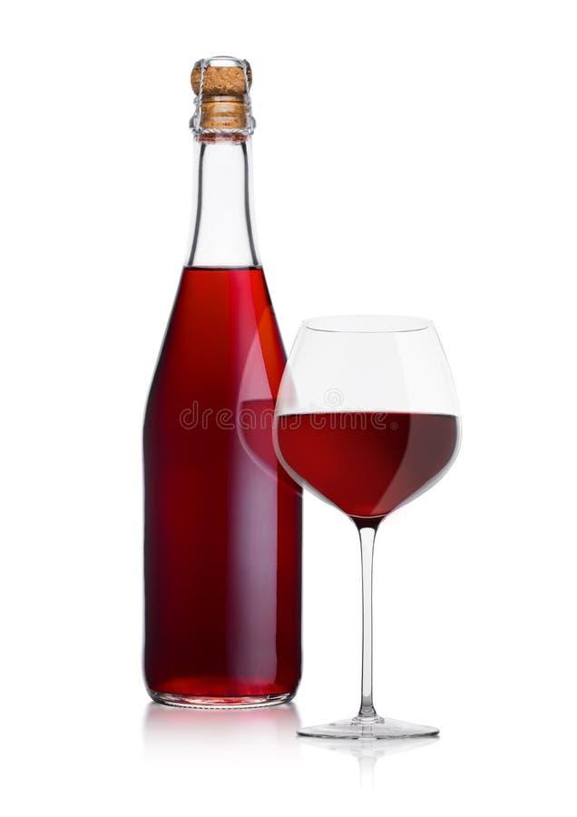 Bouteille de vin rouge et de verre faits maison avec du liège images libres de droits