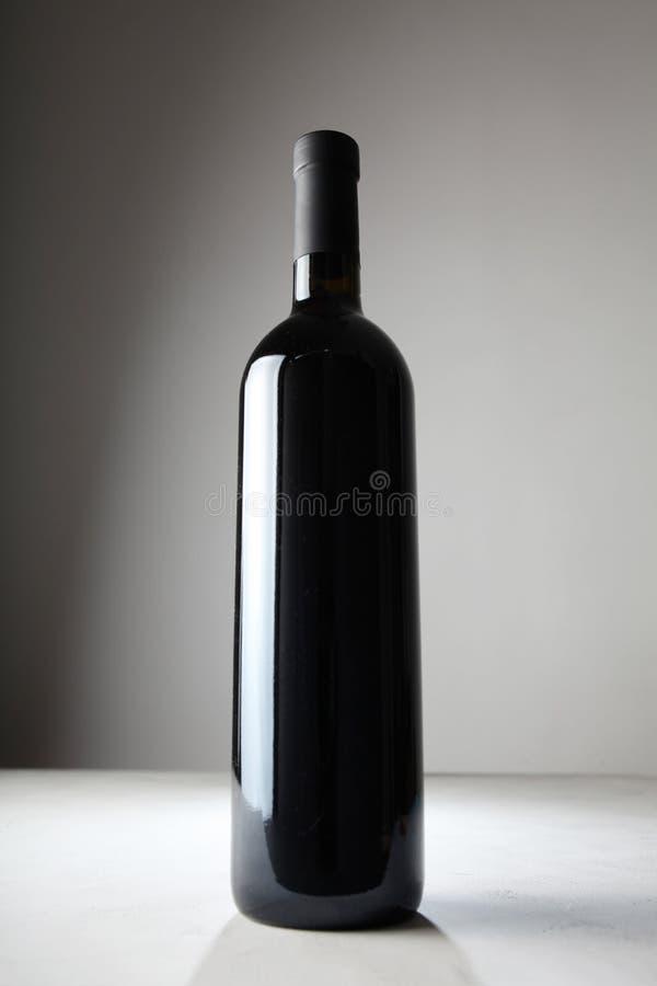 Bouteille de vin rouge, une boisson alcoolis?e image stock