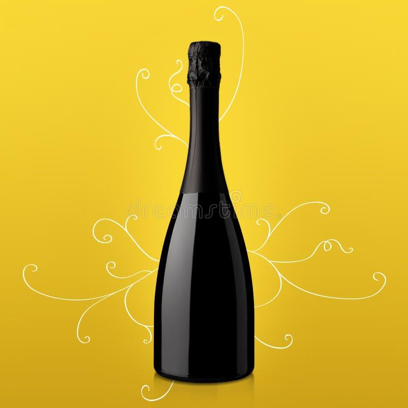 Bouteille de vin sur le fond jaune photo libre de droits