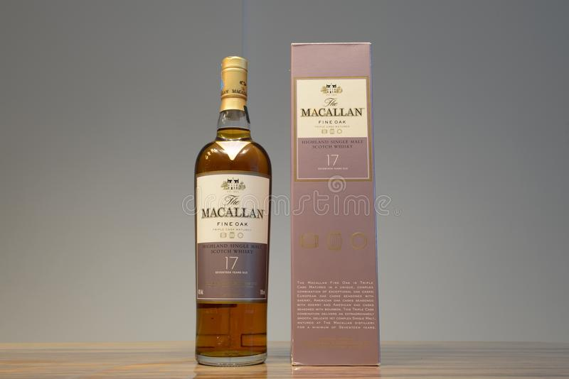 Bouteille de whiskey image stock