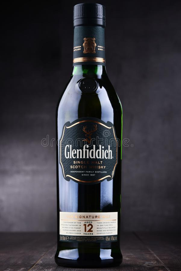 Bouteille de whisky écossais de simple-malt de Glenfiddich photo stock