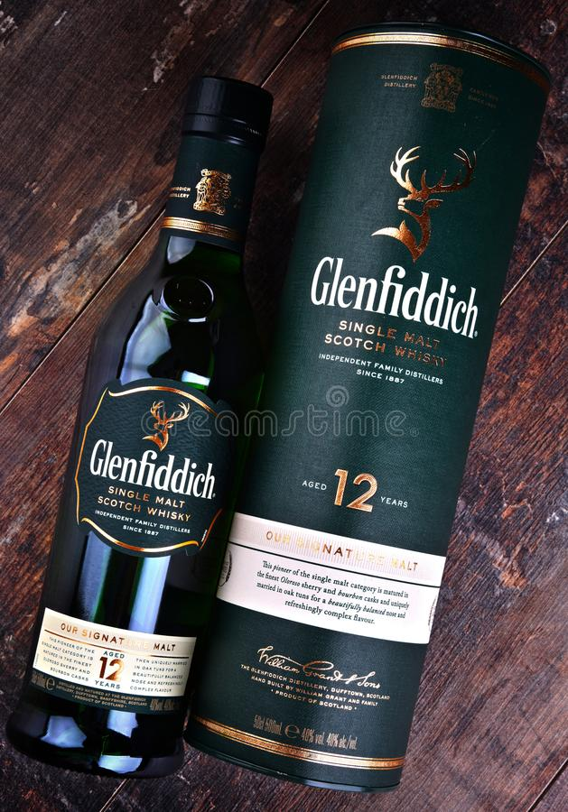 Bouteille de whisky écossais de simple-malt de Glenfiddich photo libre de droits