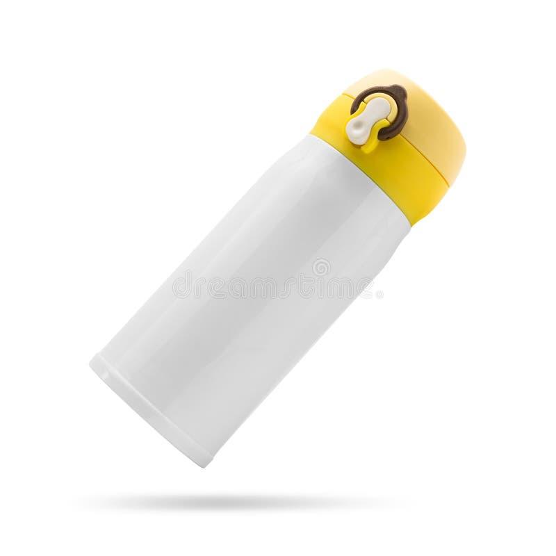 Bouteille en acier jaune d'isolement sur le fond blanc Conteneur isol? de boissons Chemin de coupure photographie stock libre de droits