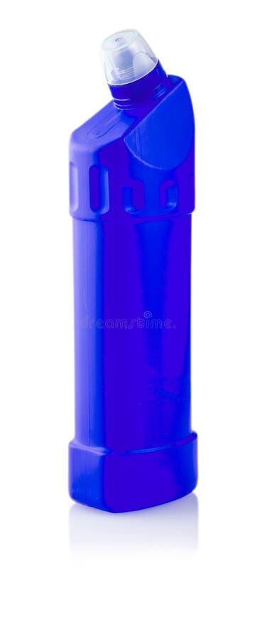 Bouteille en plastique bleue avec la blanchisserie liquide photos stock