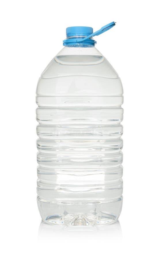 bouteille en plastique d 39 eau potable d 39 isolement sur le blanc photo stock image du bottled. Black Bedroom Furniture Sets. Home Design Ideas