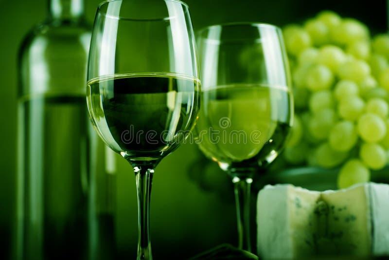 Bouteille et fromage de vin images libres de droits