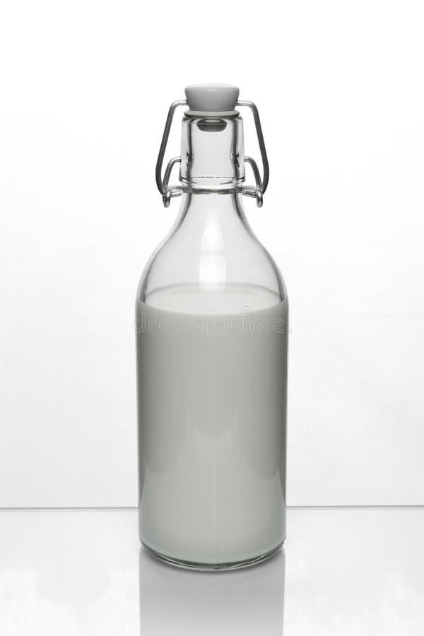 Bouteille simple de lait de vache image libre de droits