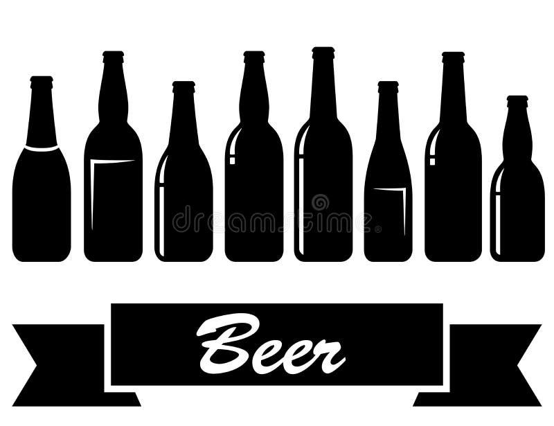 Bouteilles à bière d'isolement brillantes noires illustration stock