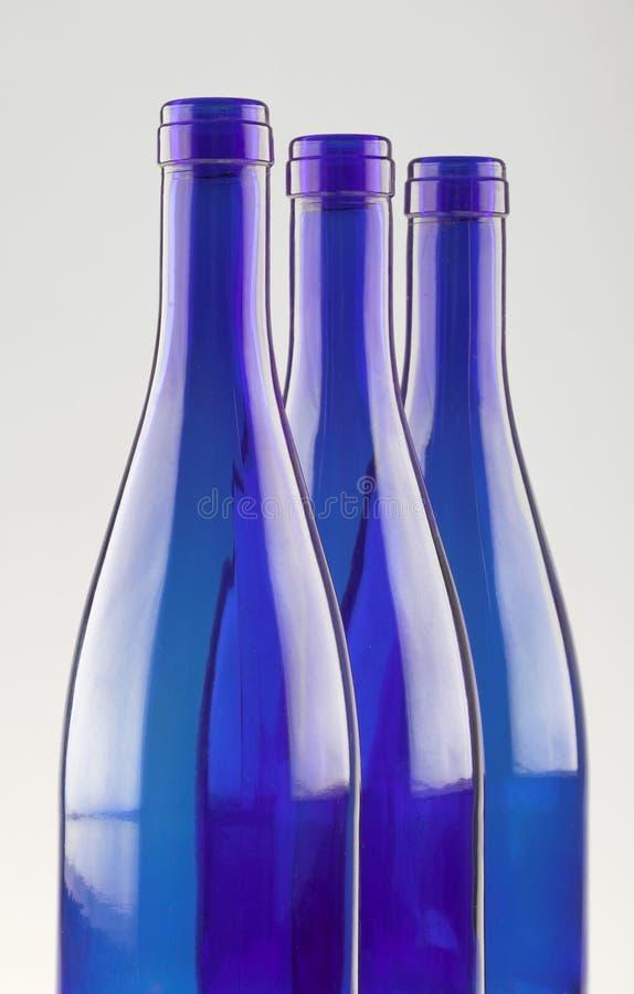 Bouteilles bleues photo libre de droits