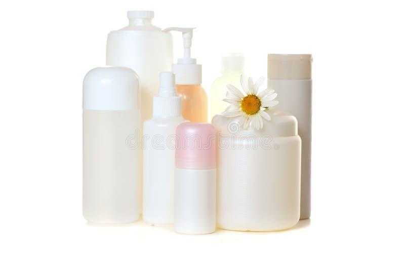 Bouteilles cosmétiques blanches photographie stock libre de droits