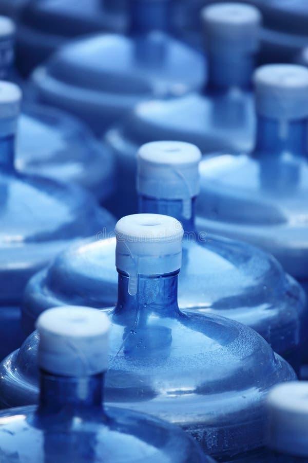Bouteilles d'eau photographie stock libre de droits