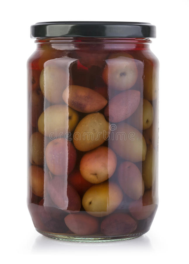 Bouteilles d'olives sur un blanc images stock