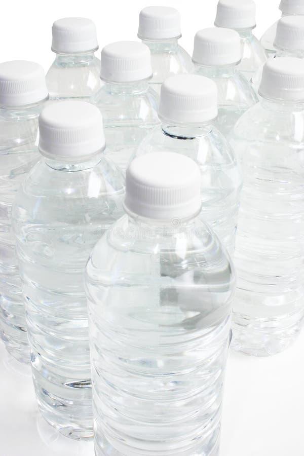 Bouteilles de l'eau photographie stock libre de droits