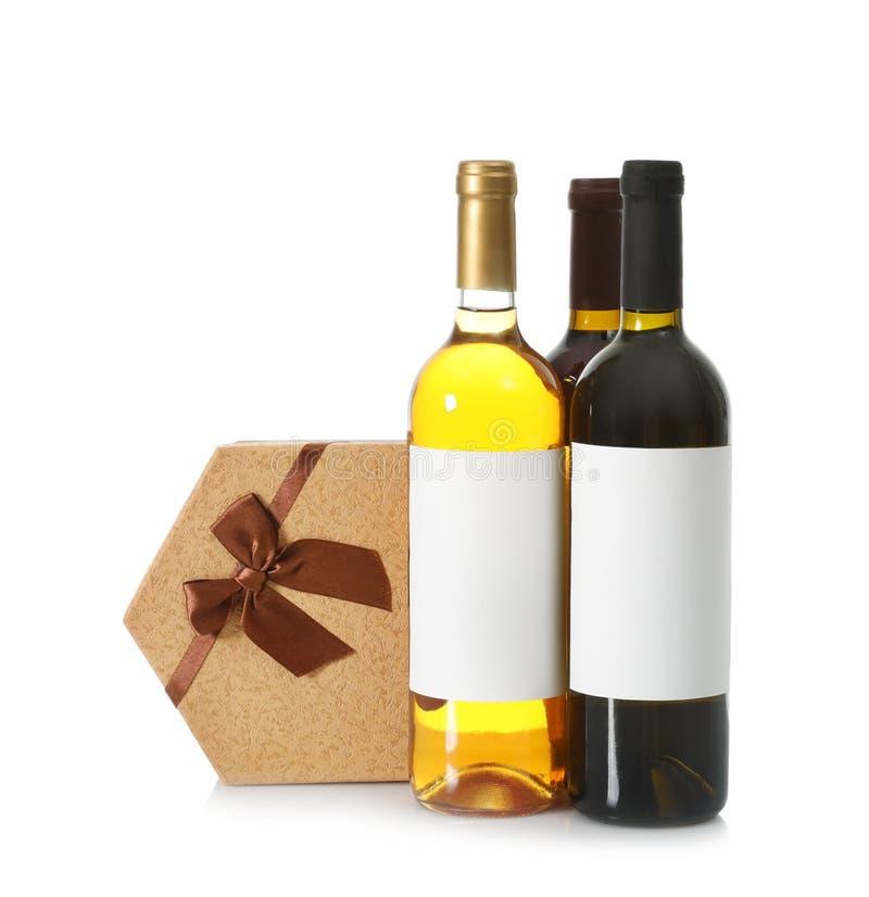 Bouteilles de vin et de boîte-cadeau images libres de droits