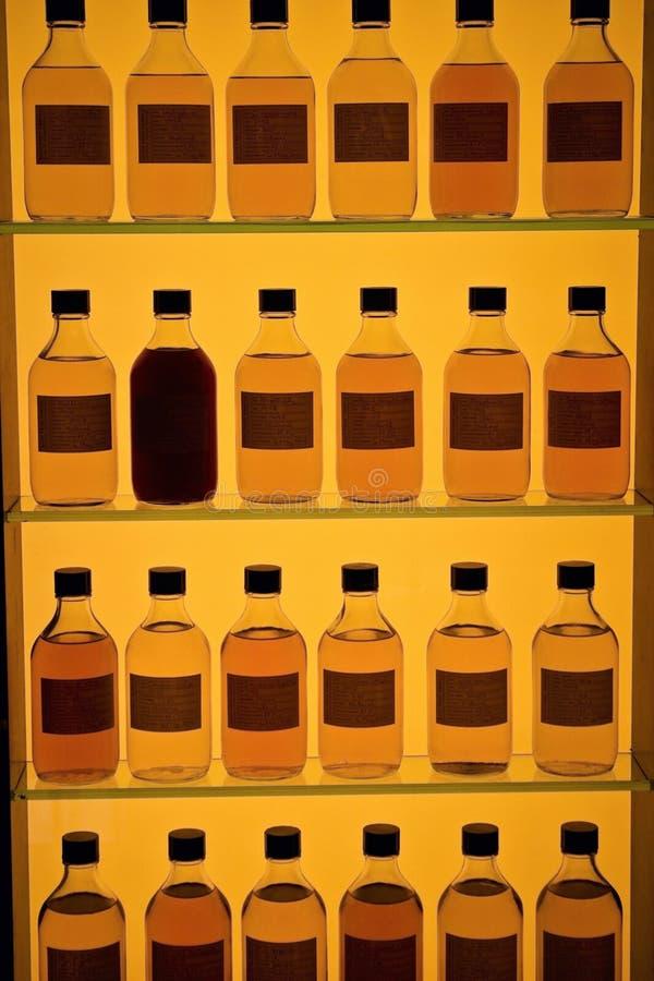 Bouteilles de whiskey photos stock