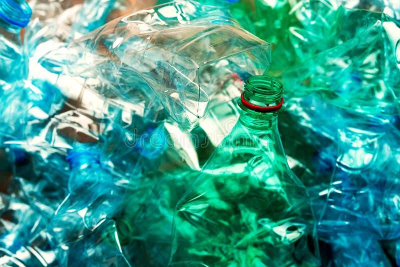 Bouteilles en plastique pour la réutilisation photo libre de droits
