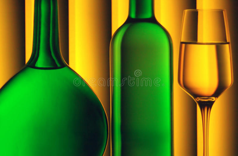 Bouteilles et glace de vin photographie stock
