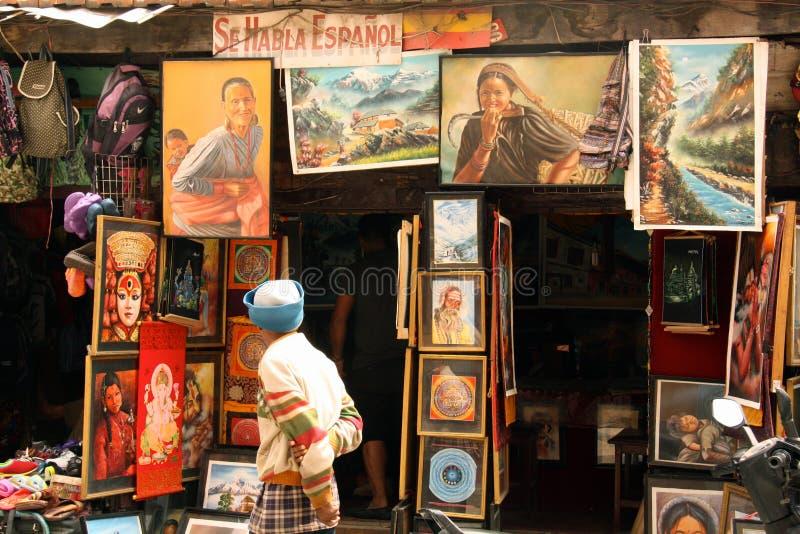 Boutique à la place de Durbar vendant des peintures photos libres de droits