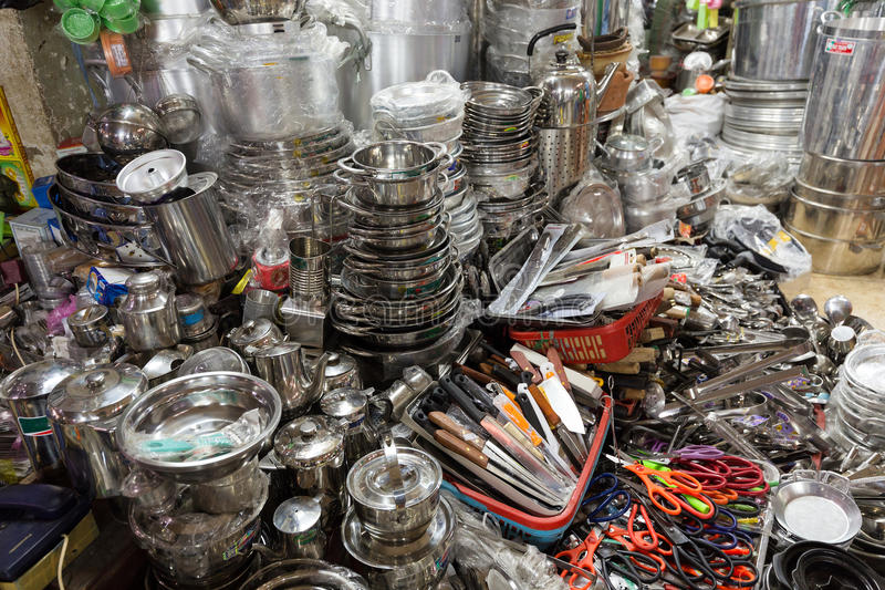 Boutique asiatique d 39 ustensiles de cuisine image stock - Boutique ustensiles de cuisine paris ...