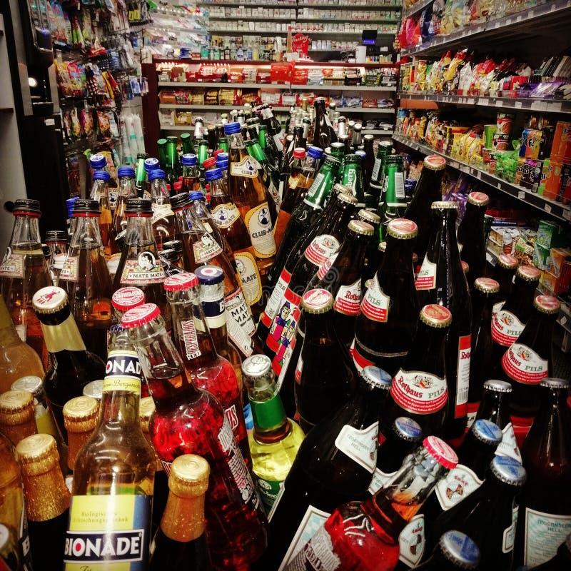 Boutique Berlin de bouteille photo libre de droits