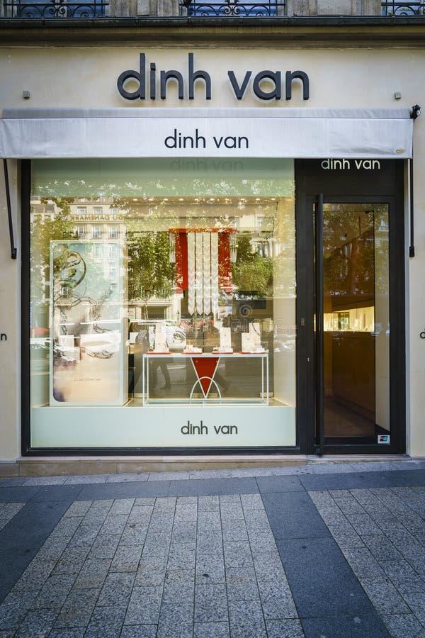 Boutique da joia de Dinh Van imagens de stock royalty free