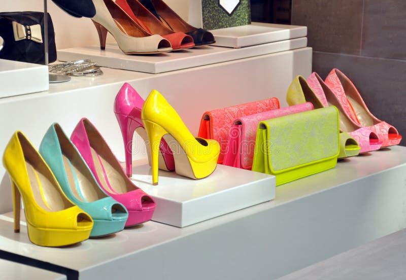 Boutique de chaussure images libres de droits