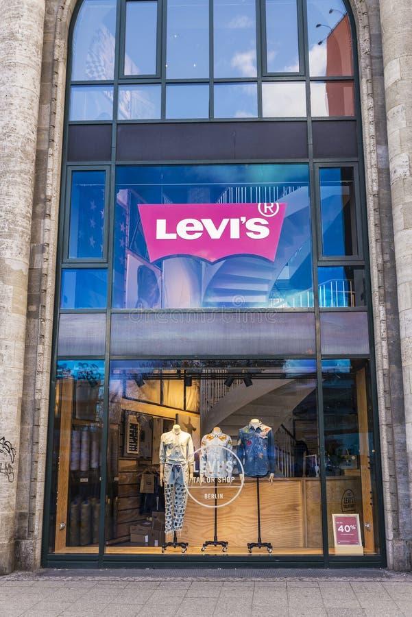 Boutique de Levi Strauss ou de Levis à Berlin, Allemagne photo libre de droits