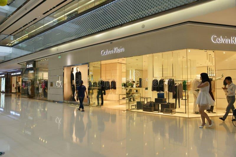 Boutique de magasin d'habillement de ŒCalvin Klein de ¼ de Ckï à Tchang-cha Wanda Plaza, faisant des emplettes image libre de droits