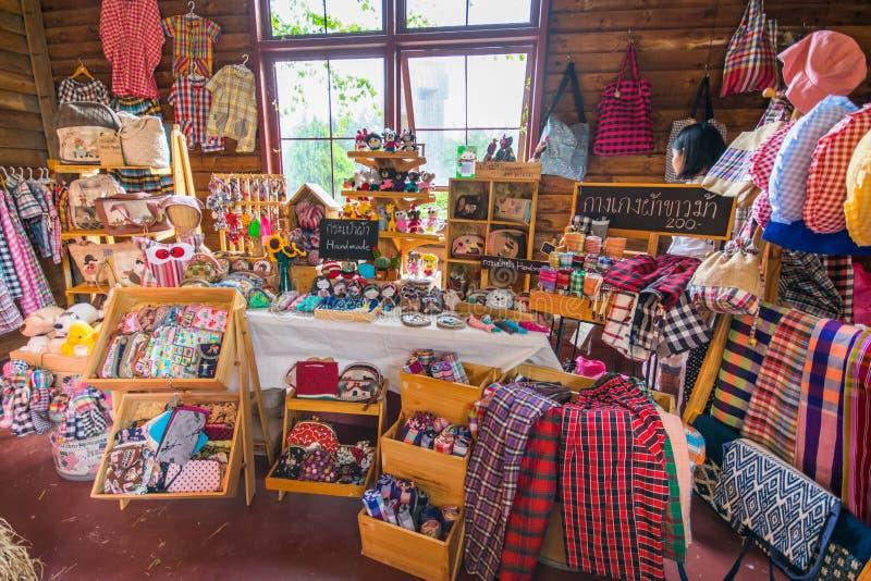 Boutique de souvenirs de textile, boutique de souvenirs de tissu images libres de droits