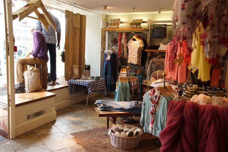 Boutique de vêtements photos libres de droits