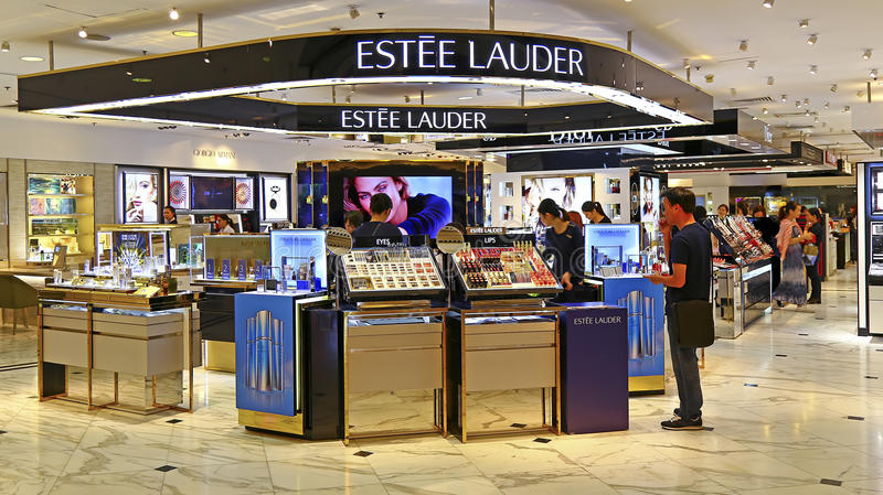 Boutique dos cosméticos do lauder de Estee, Hong Kong fotos de stock