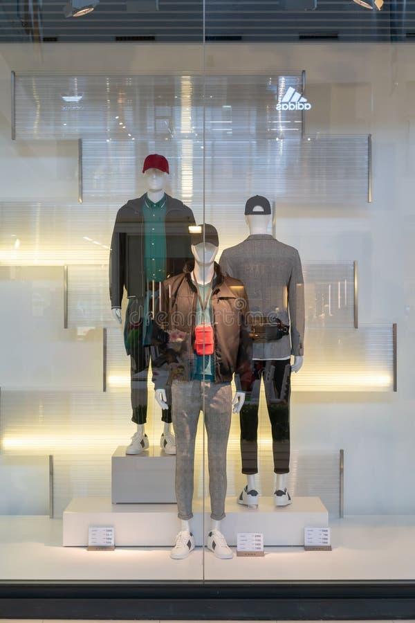 Boutique du ` s de Zara Men chez Emquatier, Bangkok, Thaïlande, le 1er avril 2018 image libre de droits