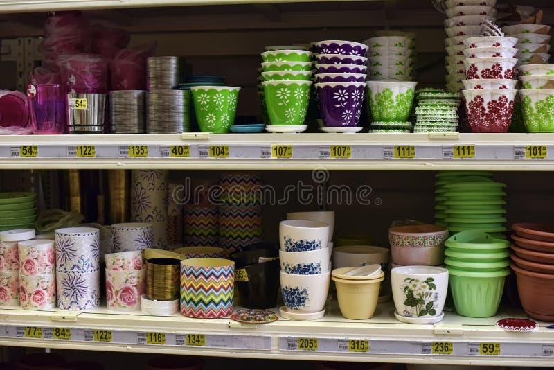 Boutique en céramique de pots de fleur image stock