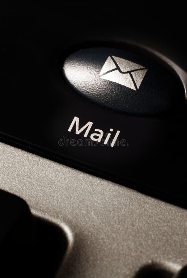 Bouton d'email sur le clavier d'ordinateur photos libres de droits