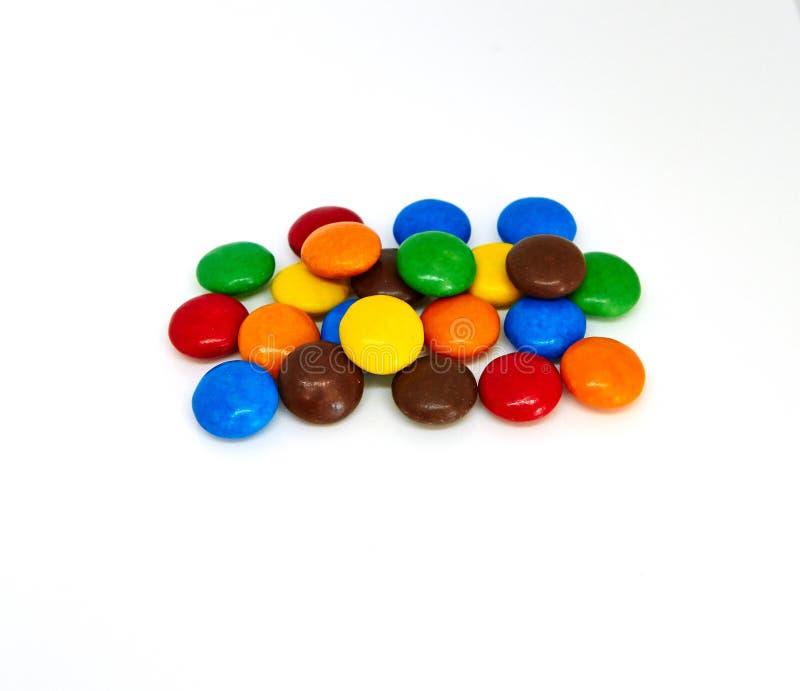 Boutons color?s de chocolat images libres de droits