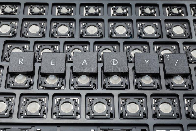 Boutons noirs prêts de PC Vieux clavier photos stock