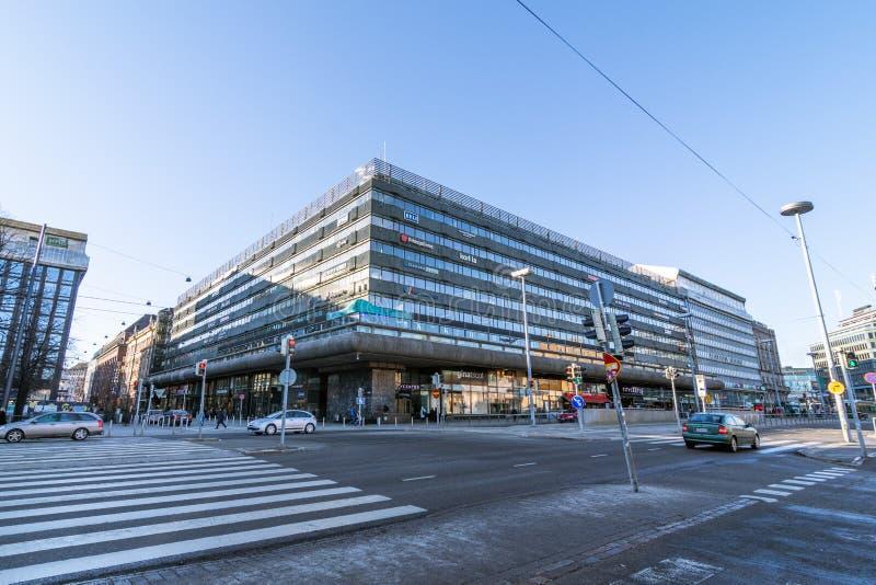 Bouw de Stadscentrum van de straatopslag Finland, Helsinki 02 Maart 2019 stock foto's