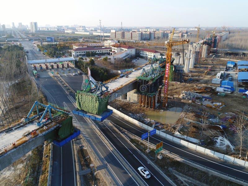 Bouw van de hoge snelheidsspoorweg van China ` s royalty-vrije stock afbeelding