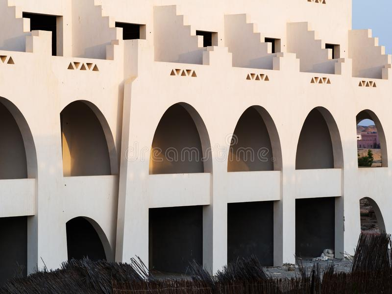 Bouwconstructie bij het Rode Overzees in Egypte Onvolledig Hotel royalty-vrije stock fotografie