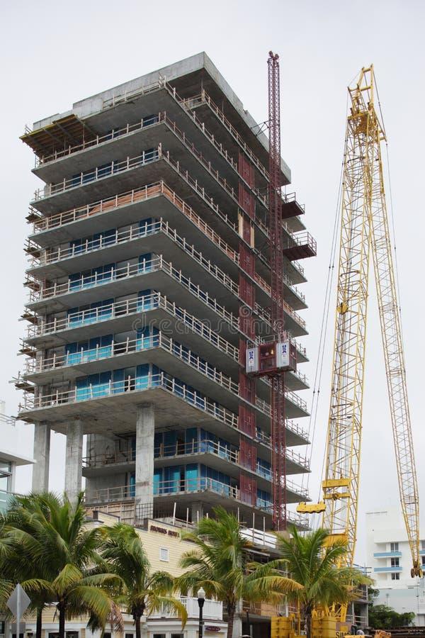 Bouwconstructie in het Strand van Miami stock afbeelding