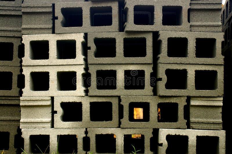 Download Bouwstenen stock foto. Afbeelding bestaande uit bouw, cinder - 285716