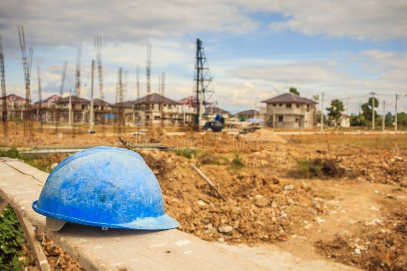Bouwvakker op woningbouwbouwwerf stock fotografie