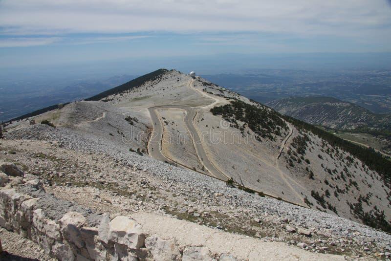 Citaten Uit Ventoux : Boven de berg mont ventoux stock afbeelding
