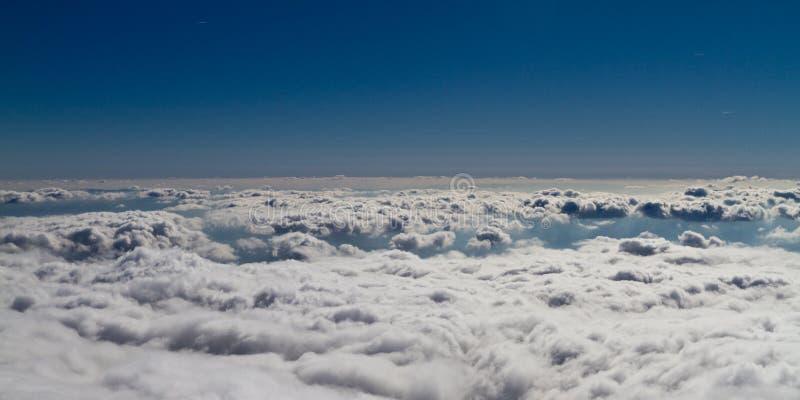 Boven de wolken royalty-vrije stock foto