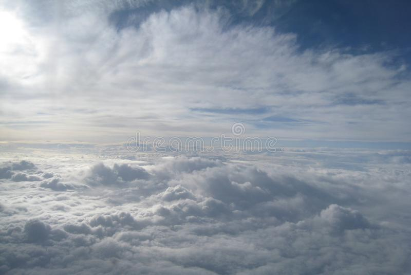 Boven de wolken royalty-vrije stock afbeeldingen