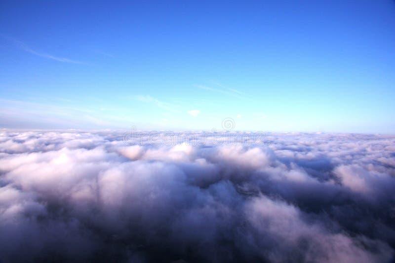Boven de wolken royalty-vrije stock afbeelding